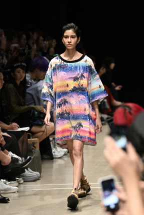 KSENIA SCHNAIDER FASHION PORT NEW EAST 2019 SS COLLECTION ©Tokyo Now