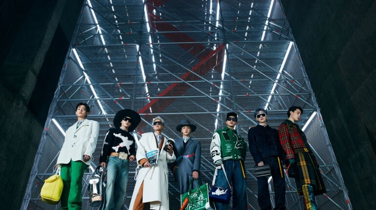 LOUIS VUITTON Men's Fall-Winter 2021 Show in Seoul with House Ambassadors BTS