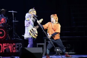 Live Musical『SHOW BY ROCK!!』-DO根性北学園編-夜と黒のReflection 舞台写真